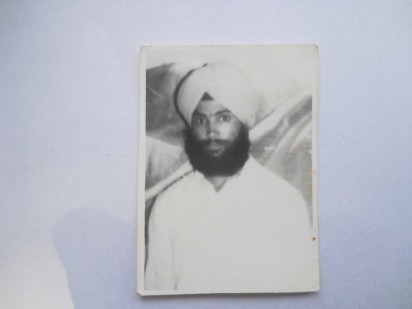 Photo of Mukhtiar Singh, victim of extrajudicial execution on August 16, 1990, in Bhikhiwind, by Punjab Police