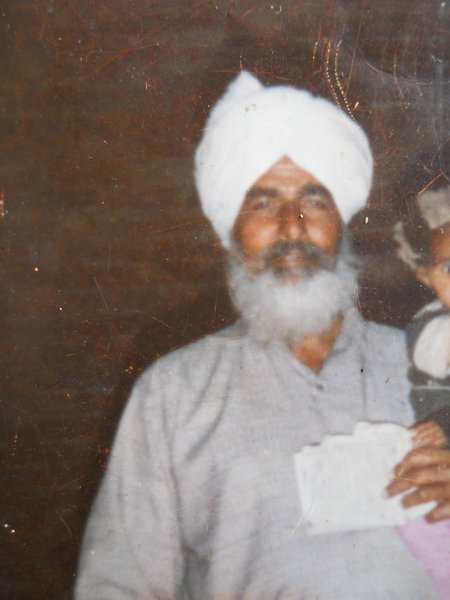 Photo of Makhan Singh,  disappeared between January 1, 1993 and January 31,  1993, in Chogawan,  by Punjab Police