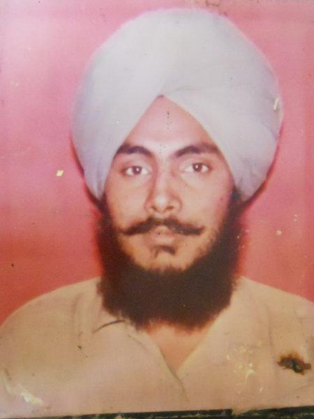 Photo of Satnam Singh, victim of extrajudicial execution between August 2, 1992 and August 3,  1992, in Tarn Taran, Sarhali Kalan, by Punjab Police