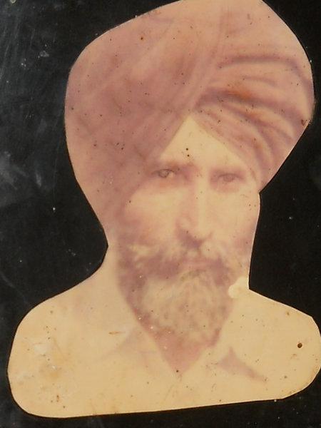 Photo of Inder Singh, ਗੈਰ ਕਾਨੂੰਨੀ ਹੱਤਆਿ ਦਾ/ਦੀ ਪੀੜਤ ਦੀ ਤਾਰੀਖ਼ ਨਵੰਬਰ ੨੧, ੧੯੯੧, in Basarke, by ਬਲੈਕ ਕੈਟ