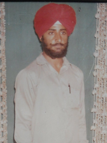 Photo of Hoshiar Singh, victim of extrajudicial execution between August 13, 1992 and August 14,  1992, in Batala, by Punjab Police