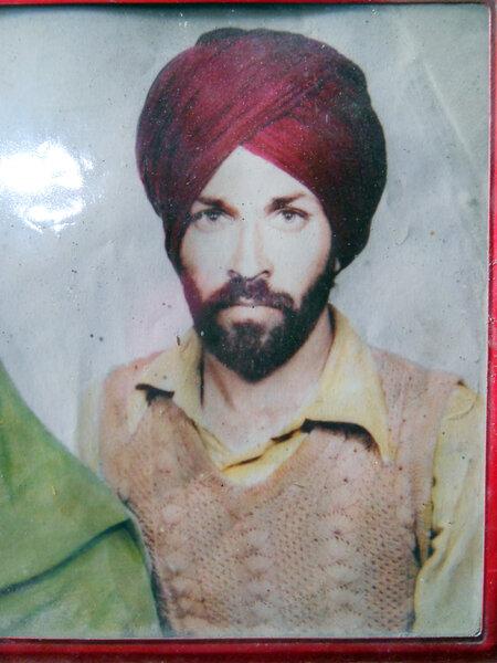 Photo of Charan Singh, victim of extrajudicial execution between November 8, 1991 and November 10,  1991, in Morinda, by Punjab Police