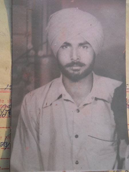 Photo of Fumman Singh, victim of extrajudicial execution between June 1, 1987 and June 2,  1987, in Kulwant BSF Post, Khemkaran,  by Border Security Force, in Kulwant BSF Post, Khemkaran, by Border Security Force