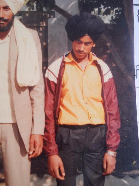 Photo of Satnam Singh,  ਲਾਪਤਾ/ਜ਼ਬਰਨ ਲਾਪਤਾ ਦੀ ਤਾਰੀਖ਼ ਮਾਰਚ ੨੭, ੧੯੯੩ by ਅਣਪਛਾਤੇ ਸੁਰੱਖਿਆ ਬਲ