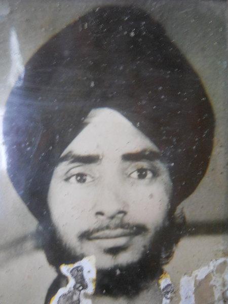 Photo of Mukhwinder Singh, victim of extrajudicial execution on July 13, 1991, in Amaria, Bilsanda, Niuria, Pilibhit, Puranpur