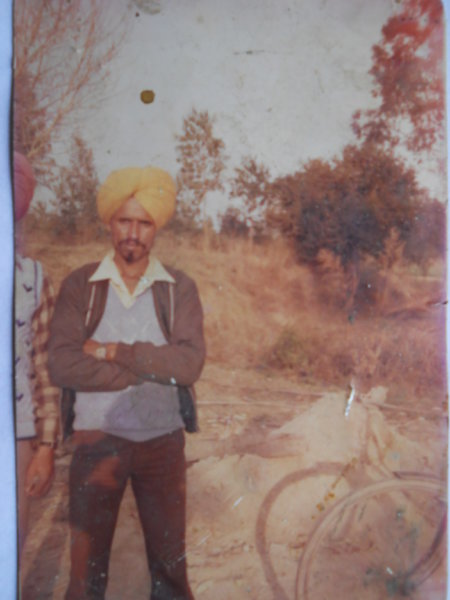 Photo of Bachittar Singh, victim of extrajudicial execution on October 28, 1988, in Mahilpur, Hoshiarpur, Nawanshahr, Jalandhar, by Punjab Police; Border Security Force