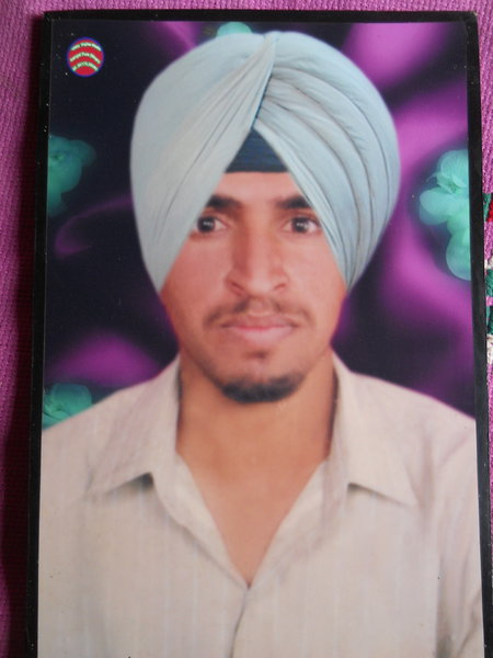 Photo of Sukhdev Singh,  disappeared between September 25, 1993 and September 27,  1993