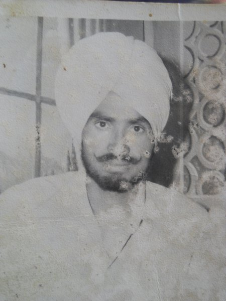 Photo of ਬਲਵੀਰ ਸਿੰਘ ,  ਲਾਪਤਾ/ਜ਼ਬਰਨ ਲਾਪਤਾ ਦੀ ਤਾਰੀਖ਼ ਸਤੰਬਰ ੨੭, ੧੯੮੯ by ਪੰਜਾਬ ਪੁਲਿਸ